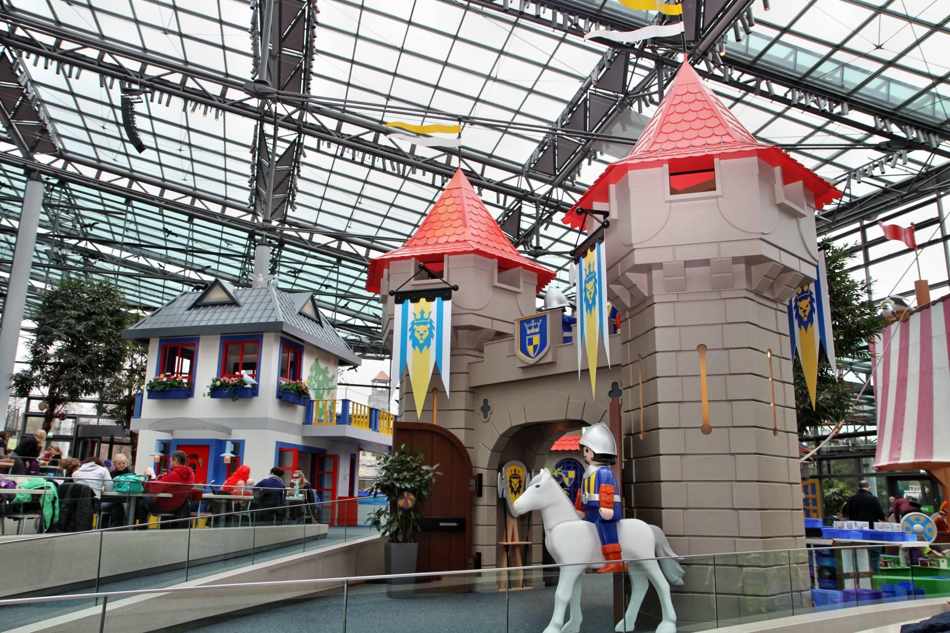 Im HOB-Center des Playmobil Funpark laden Dutzende Spielstationen zum Ausprobieren des Playmobil-Sortiments ein.