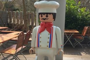Herzlich willkommen im gemütlichen Playmobil Funpark Biergarten!