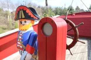 """Playmobil Funpark Veranstaltungen 2018: Das Playmobil Piratenschiff steht im Mittelpunkt der Mottotage """"Piraten & Piratenbräute""""."""