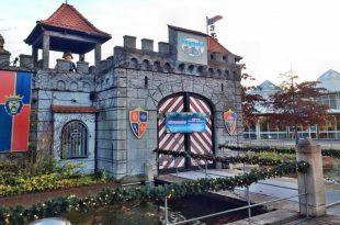 Festlich geschmückt präsentiert sich das Playmobilland während der Wintermonate.