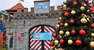 """Das weihnachtlich geschmückte Playmobilland empfängt die Besucher zum """"Winterzauber"""" 2017/18."""